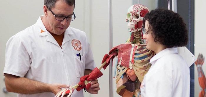 doctor_student_skeleton_850px